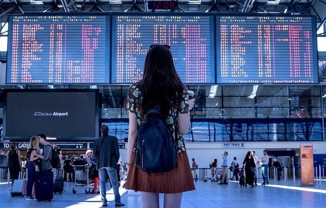 girl-travelling