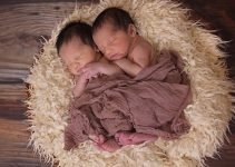 Pregnant with Twins: Signs & Symptoms, Tips, and What to Expect